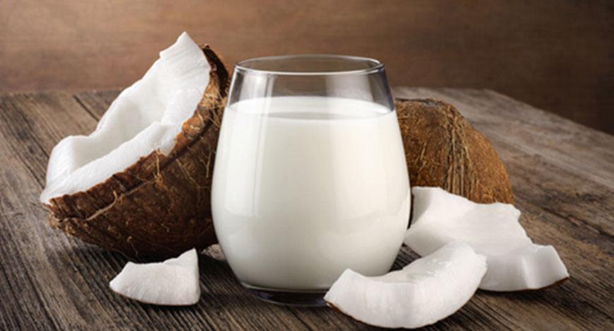 10 средств с кокосовым молоком для использования в домашней косметологии