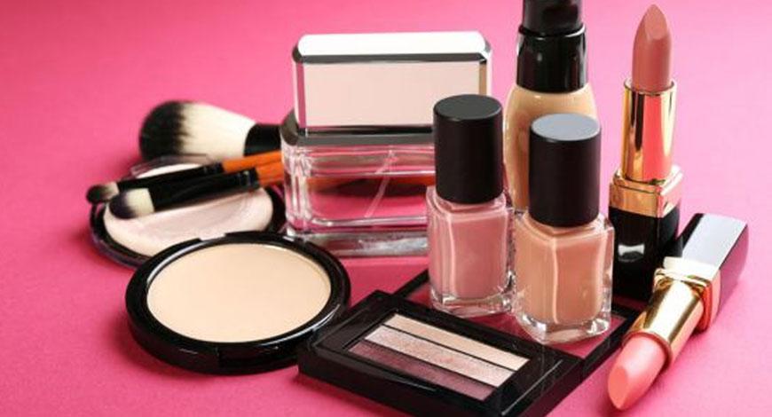 naturalnaja-dekorativnaja-kosmetika