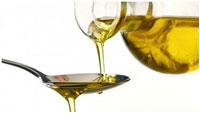 dobavlenie-lozhki-olivkovogo-masla
